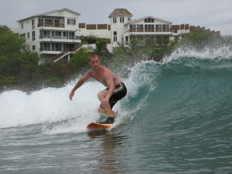Prickly Point surfing - Lance aux Epines