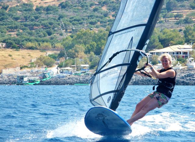Fi windsurfing in Peligoni, Zante