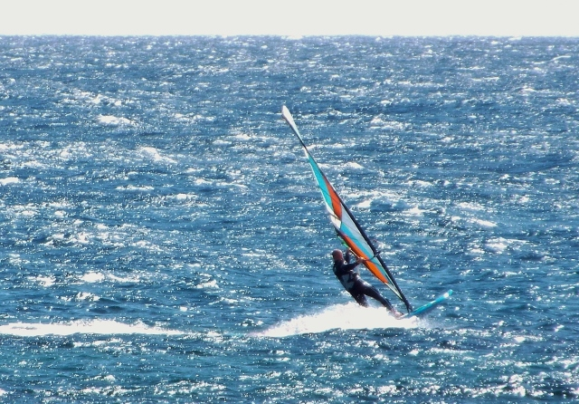 Tez Plaveneiks testing Goya Windsurfing freeride kit in Lanzarote