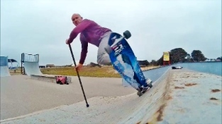 Tez Plavenieks knocking one of teh top land SUP style